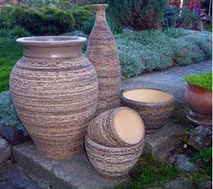 керамични съдове за цветя