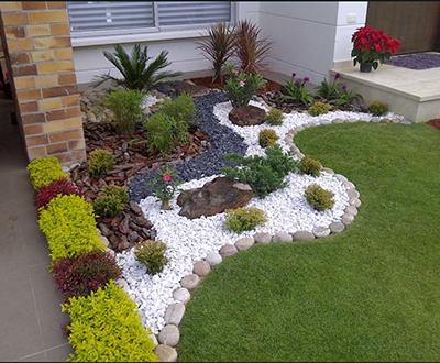 Декорация на градина с декоративни камъни