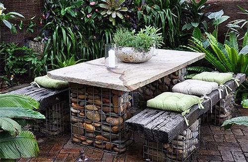 Украса на вашата градина с камъни, каменна маса за градина