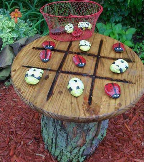Игра с декоративни камъни